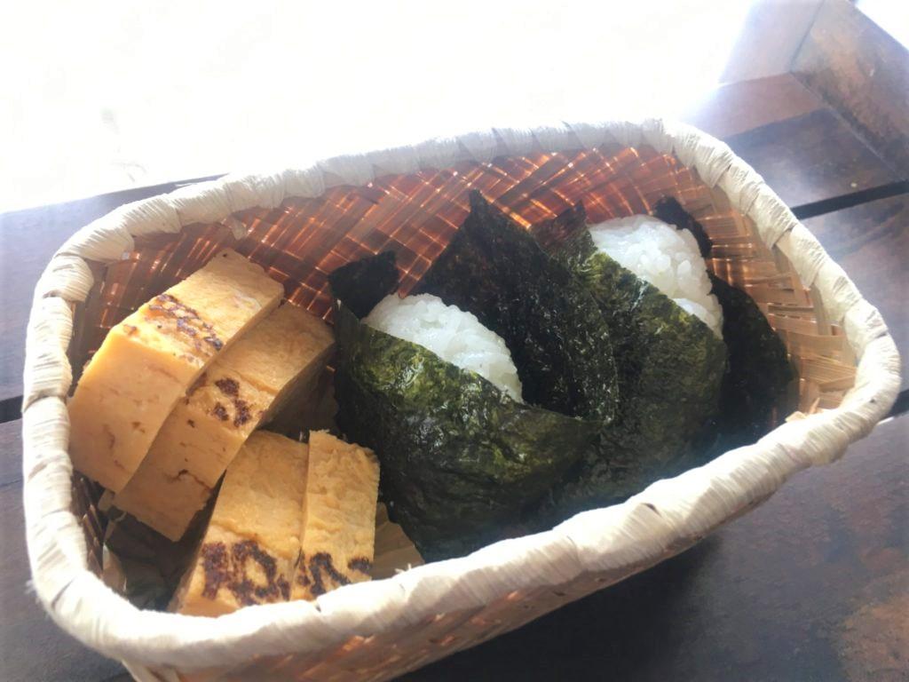 bamboo lunch box ando onigiri and tamagoyaki