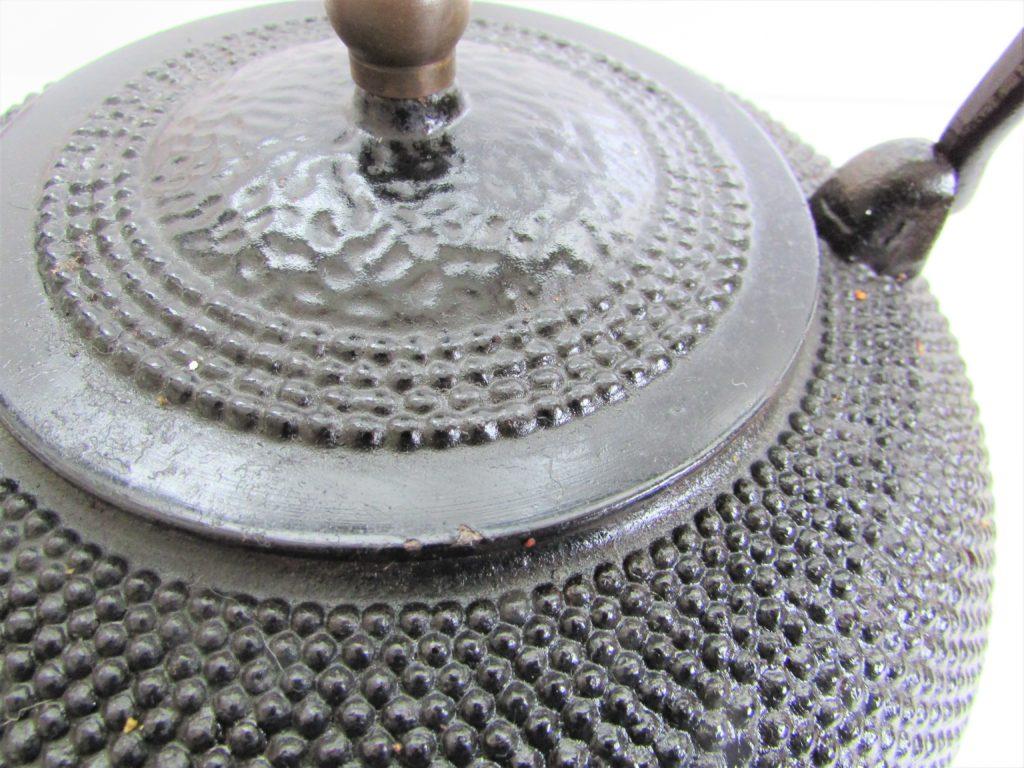 南部鉄器・鉄瓶(あられ紋)