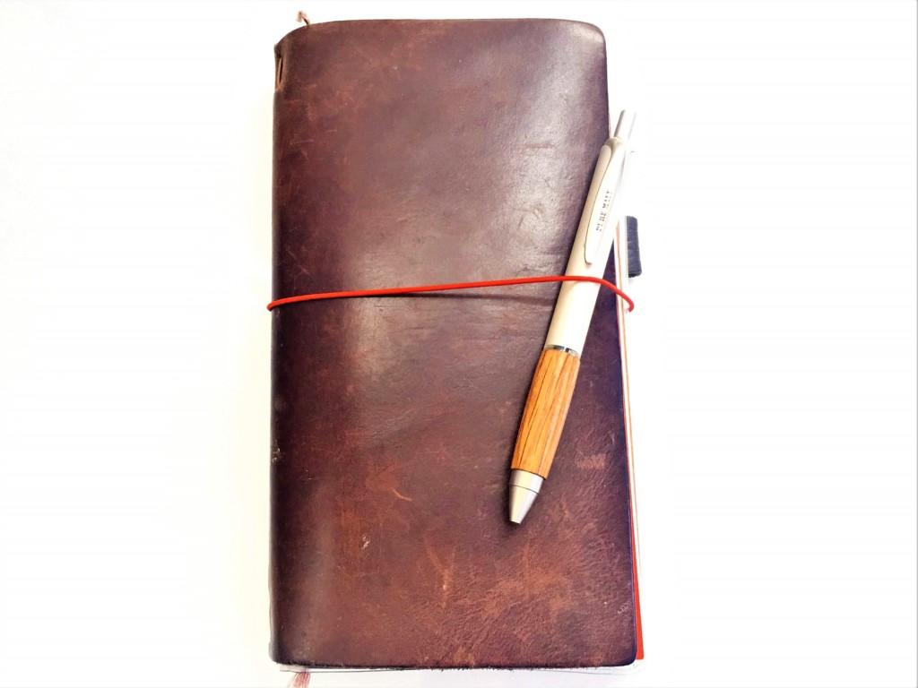 mitsubishi_PURE MALT ballpoint pen and notebook