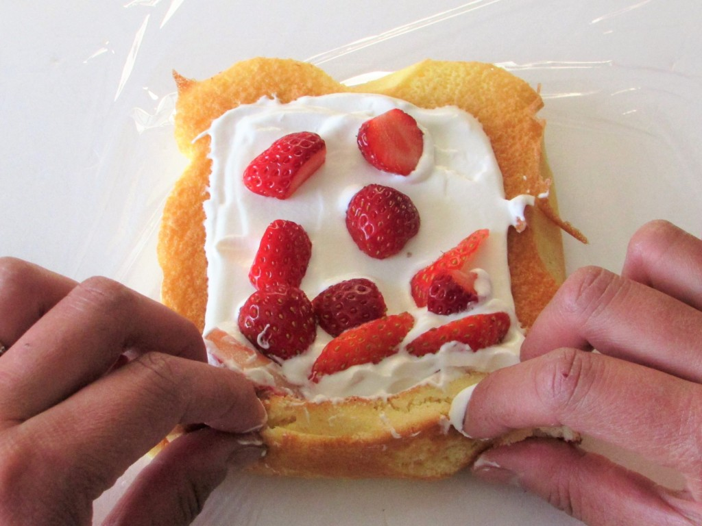 strawberry-rollcake (29)