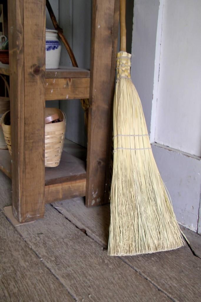 brooms-214717 (★)